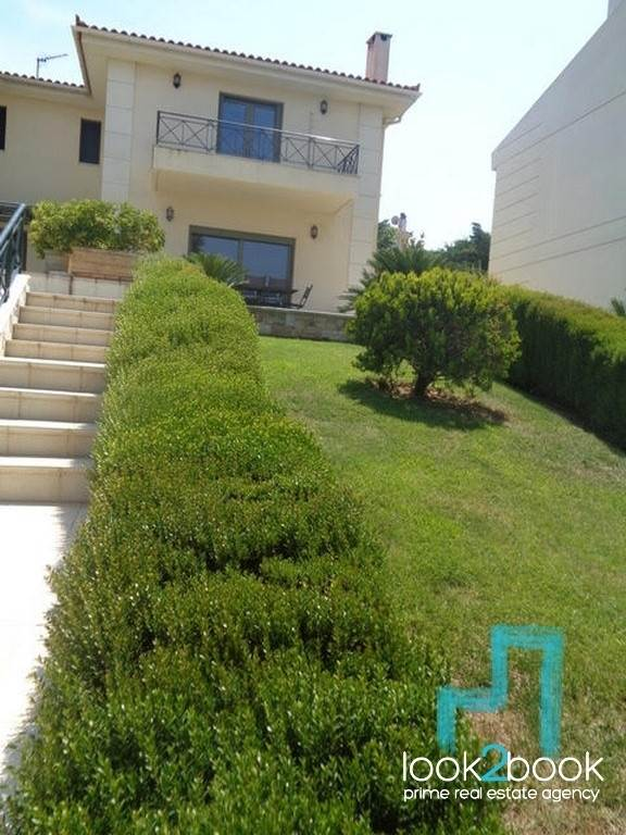 EXCELLENT MAISONETTE AT NEA ERYTHRAIA